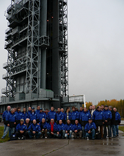 21/09/09 the team before the launch tower