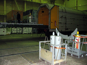 Unloading of the hydrazine tanks in the 'general hall'