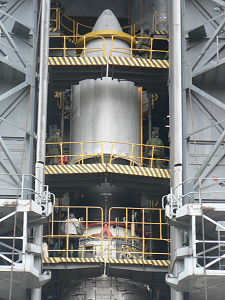 Composite mechanically integrated to the launcher
