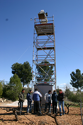 Set up of DANOIS radiometer on reference site in Valencia (Spain) for a measurement campaign.